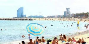 Espagne: Barcelone va interdire de fumer sur ses plages